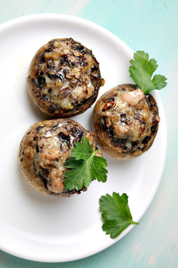 Easy Stuffed Mushrooms recipe - from RecipeGirl.com