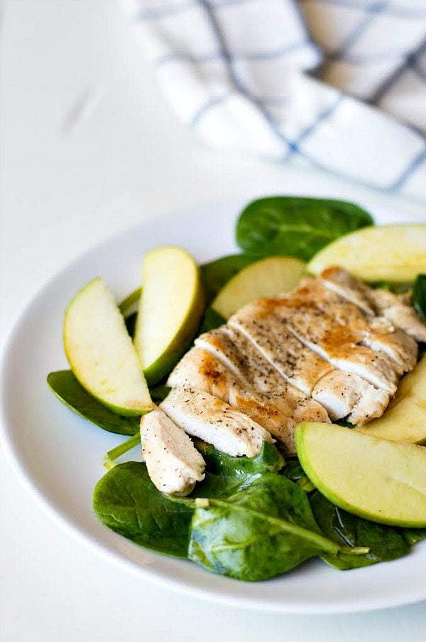 Apple Spinach Chicken Recipe - RecipceGirl.com