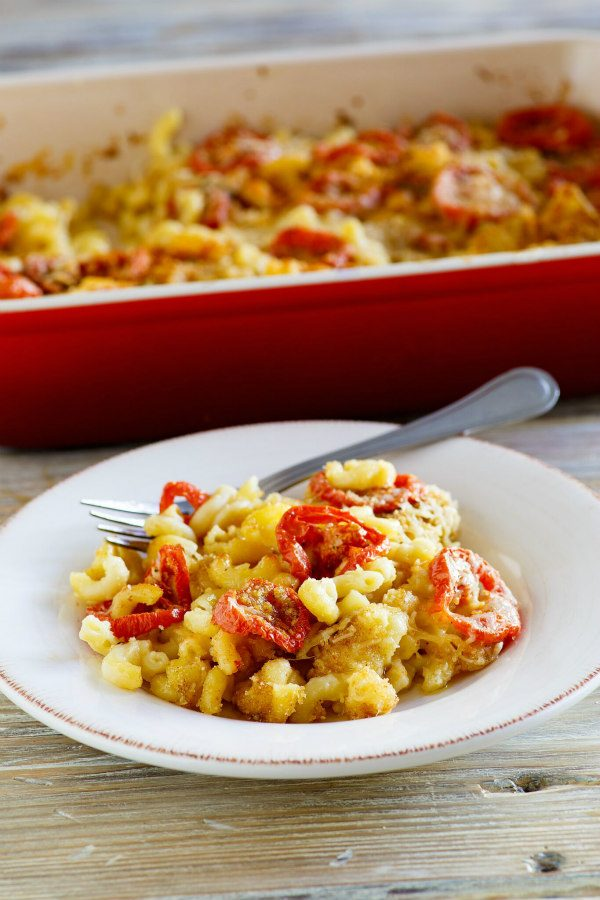 Serving of Mac and Cheese with Roasted Tomatoes