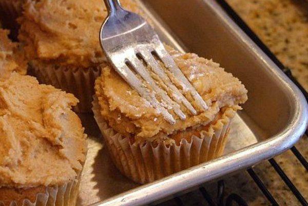 Peanut Butter Cookie Cupcakes recipe - by RecipeGirl.com