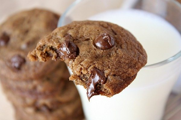 Kahlua Espresso Chocolate Chip Cookies with melted chocolate chips