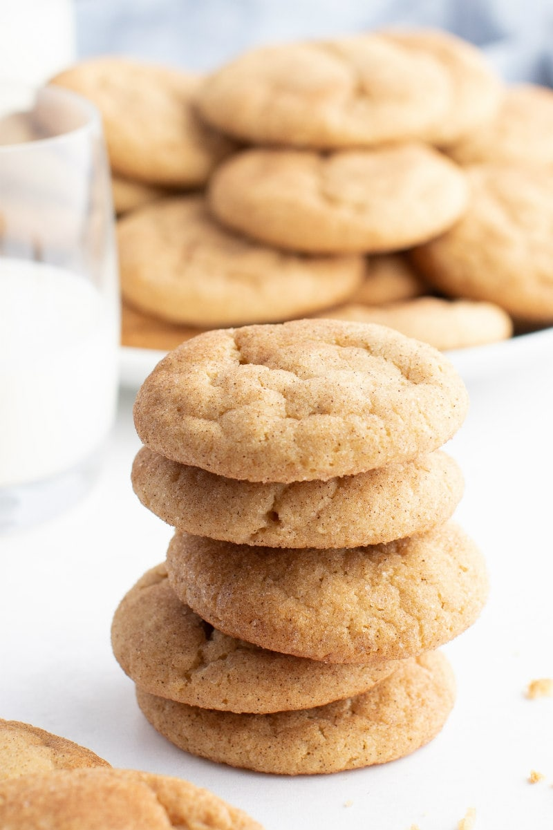 stack of maple crackletop cookies