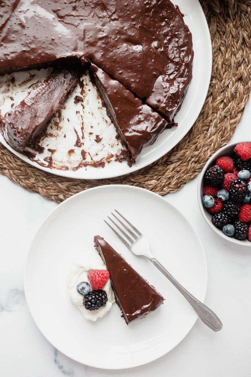 serving chocolate truffle cake