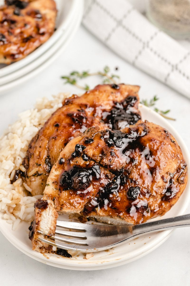eating apricot balsamic chicken