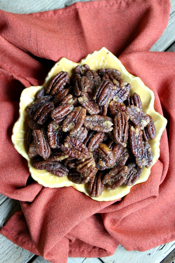 bowl of roasted blue cheese pecans