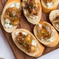 crostini with gorgonzola caramelized onions and fig jam