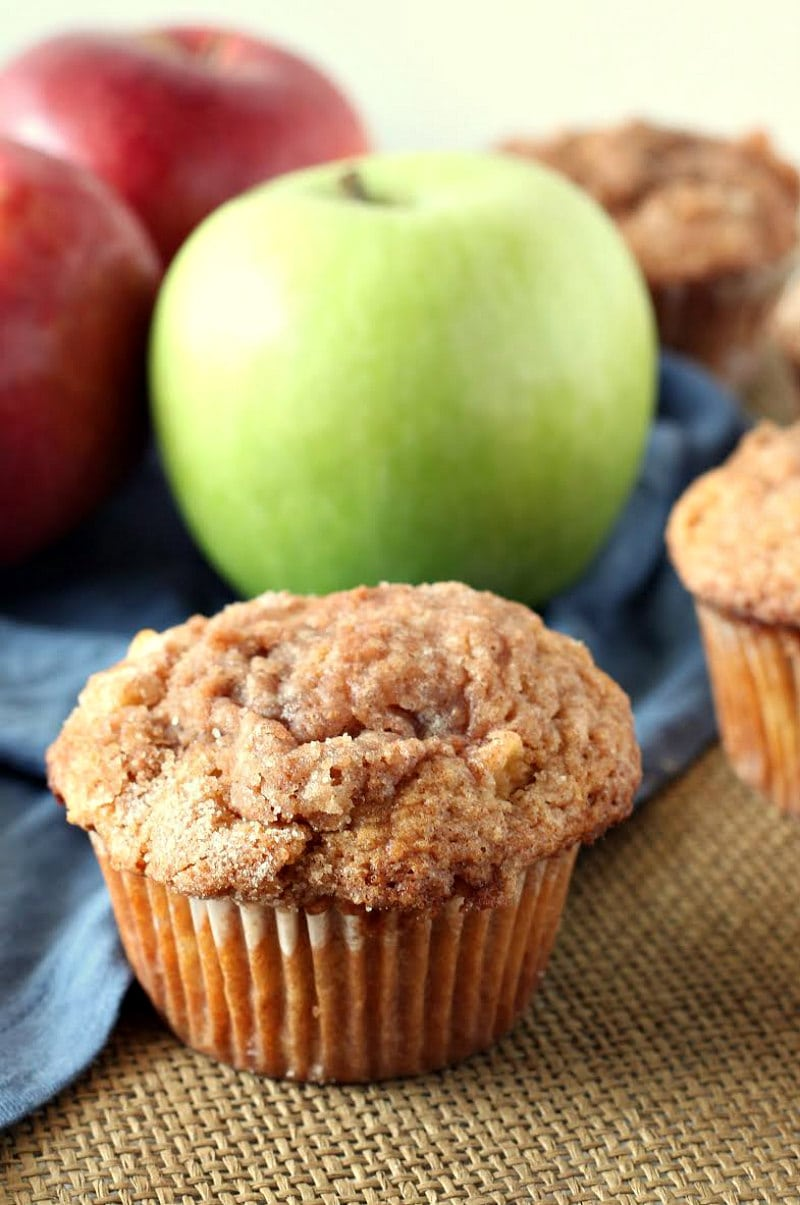 Easy Apple Cinnamon Muffins with apples