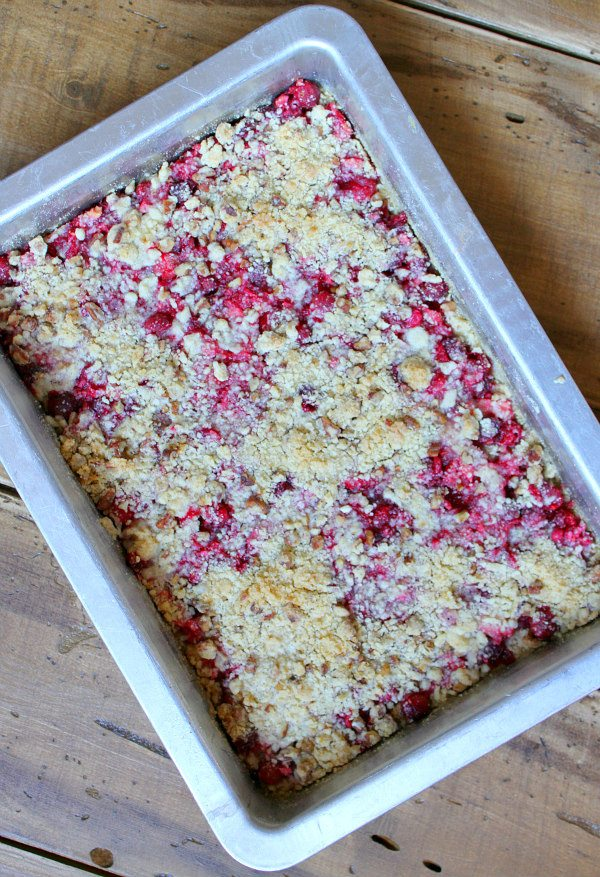 Cran-Apple Raspberry Bars recipe - by RecipeGirl.com