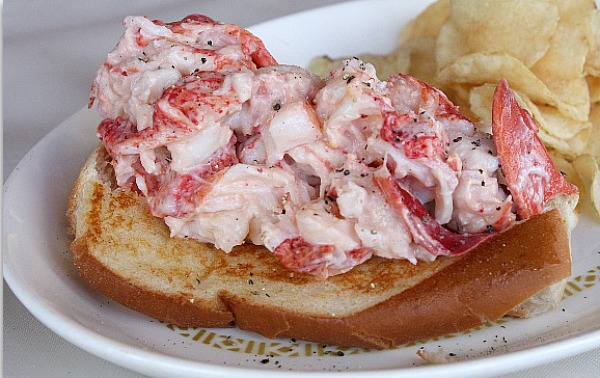 ... time 10 min lobster roll the lobster roll is a new england specialty a