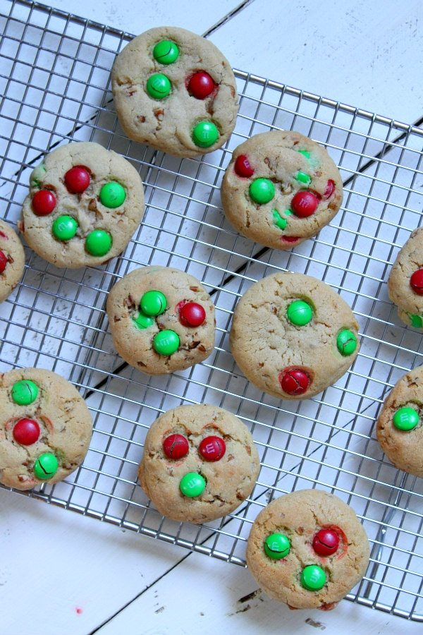 Mountain Christmas Cookies recipe - by RecipeGirl.com