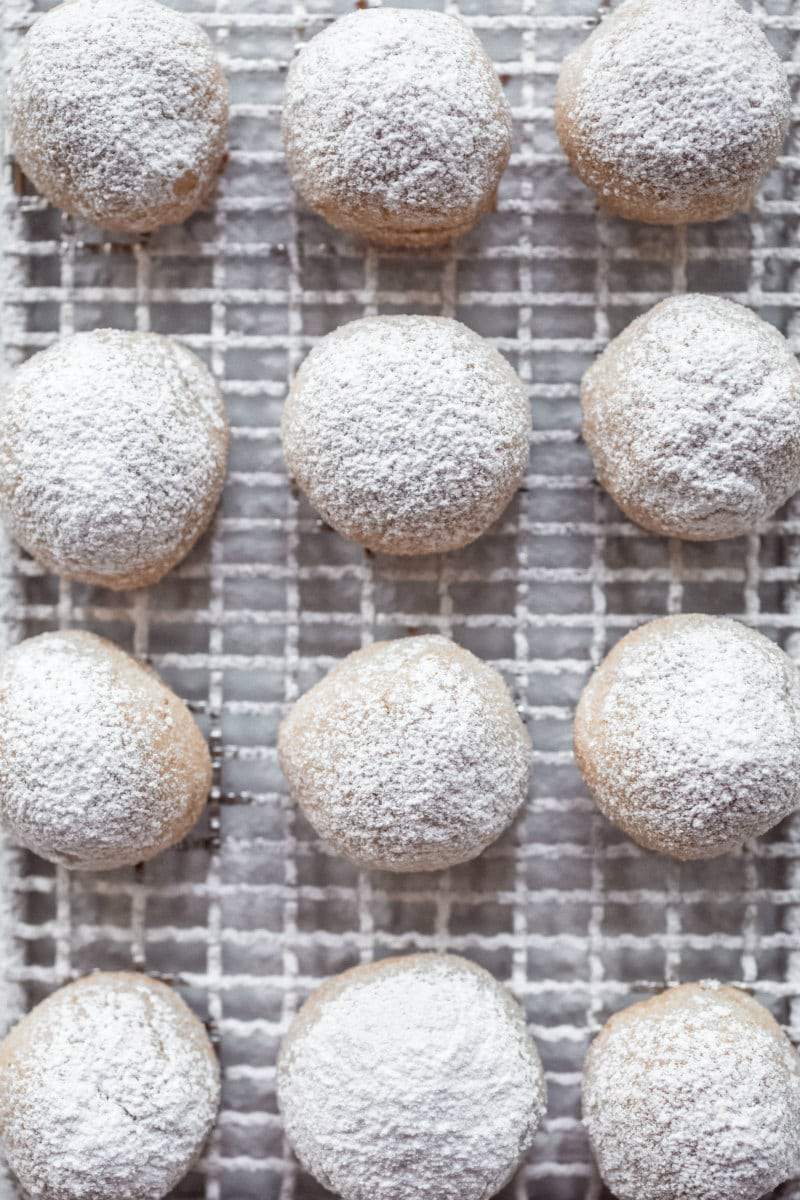Pecan Sandies covered with powdered sugar