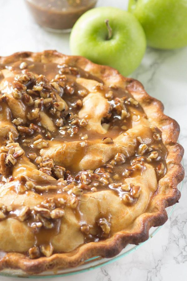 Praline Apple Pie recipe - from RecipeGirl.com