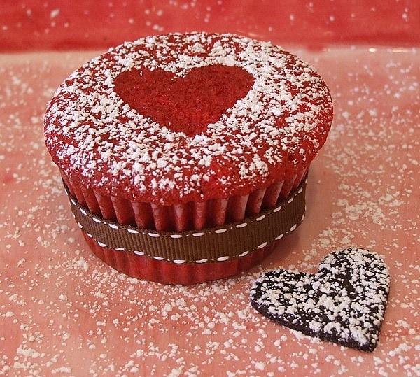 Red Velvet Cupcakes - RecipeGirl