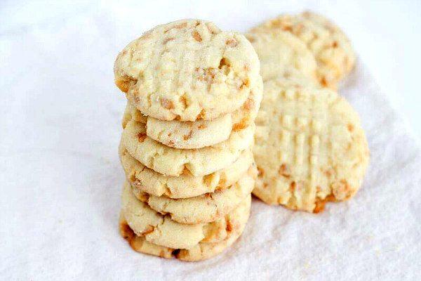 Texas Almond Crunch Cookies - Recipe Girl