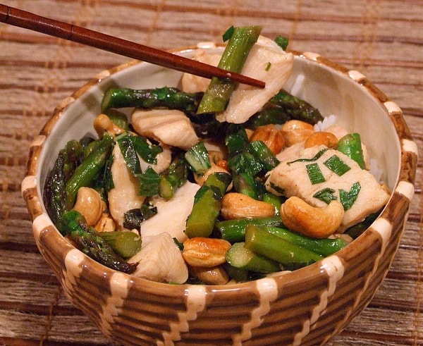 Chicken Stir Fry with Asparagus and Cashews recipe from RecipeGirl.com