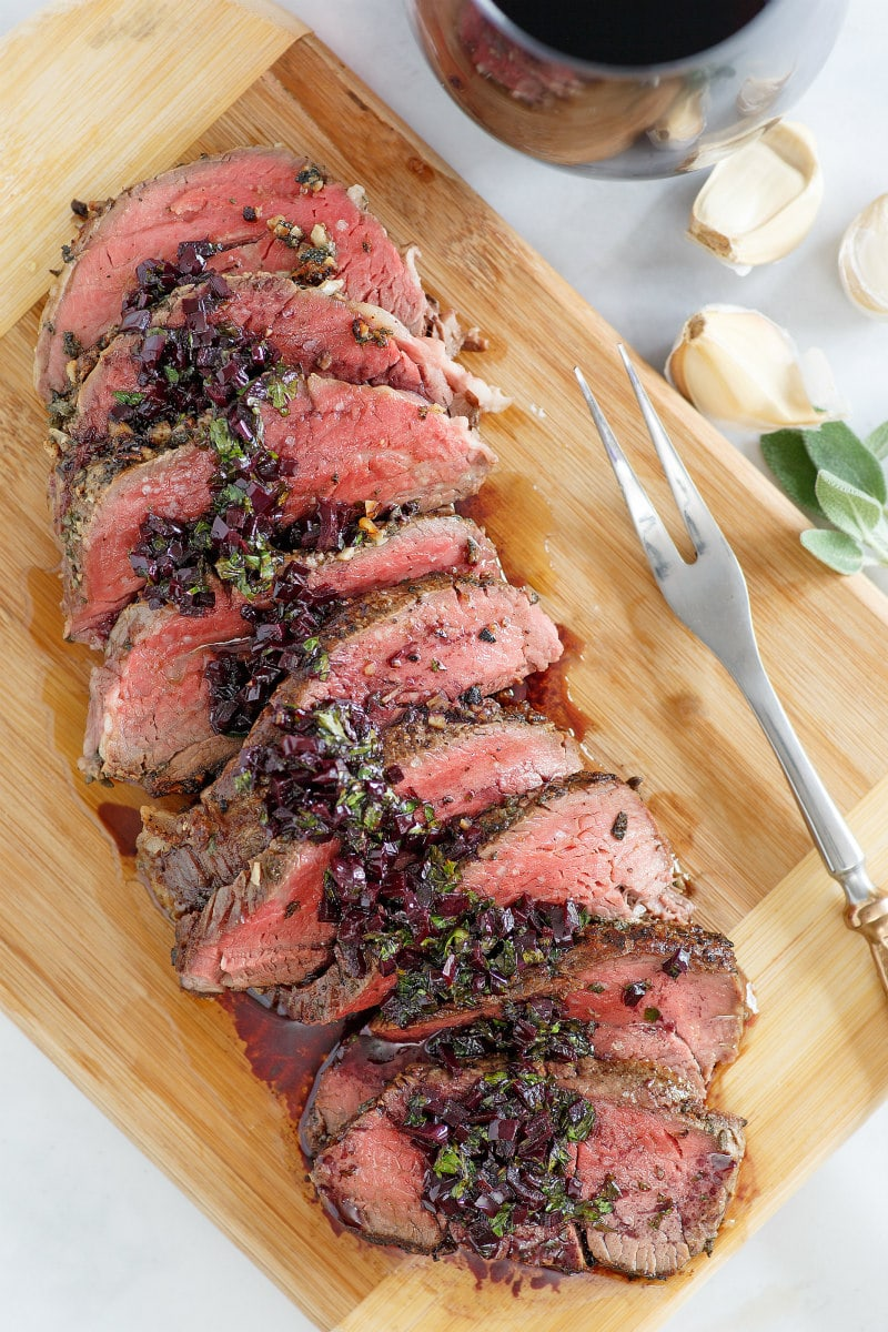 sliced Roasted Beef Tenderloin with Merlot Shallot Sauce