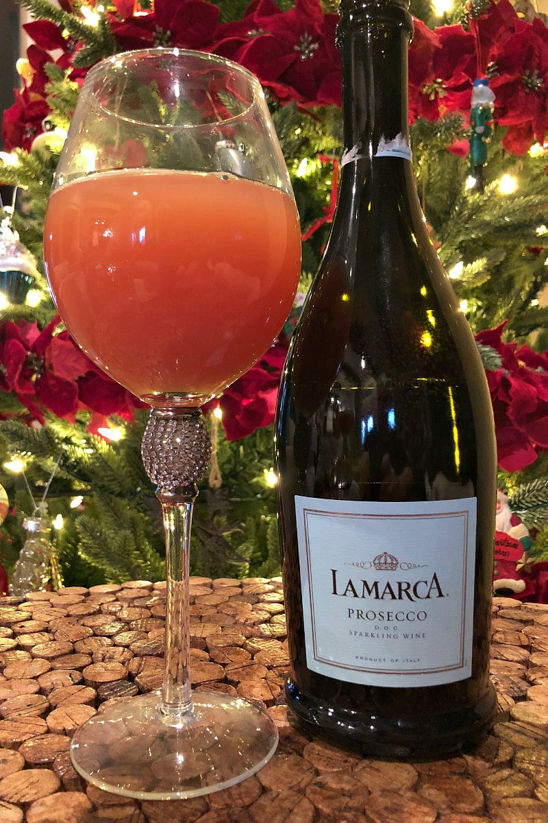 How to make Cranberry Mimosas