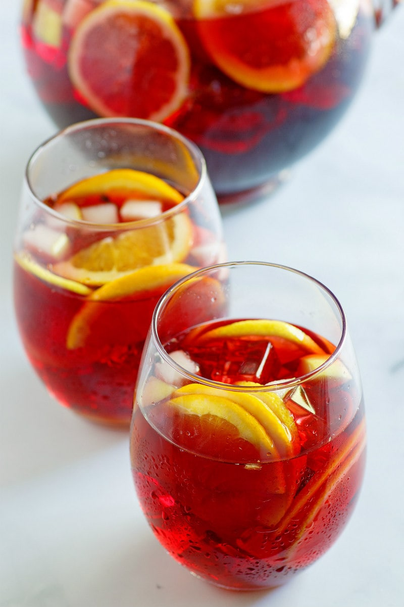 glasses of winter spiced red wine sangria