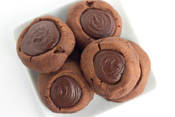 Chocolate Mint Thumbprints Cookies - recipe from RecipeGirl.com
