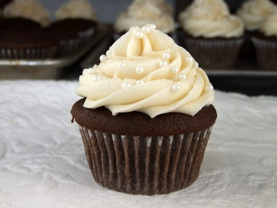 1G Tip by Bakery Crafts for this simple swirl. The chocolate cupcake ...