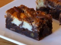 Cream Cheese Swirl Brownies with Pecans 4