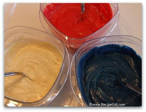4th of July Recipes: Red, White and Blue Cupcakes - RecipeGirl