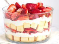 Layered Strawberry Trifle Recipe