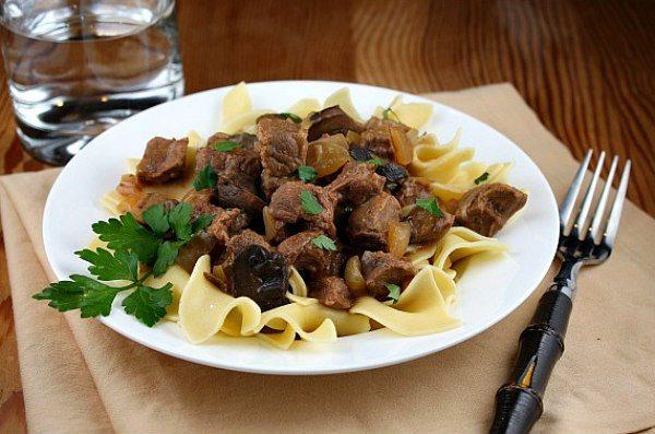 Slow Cooker Beef Stroganoff recipe from RecipeGirl.com