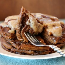 Gingerbread Cinnamon Roll Pancakes 1