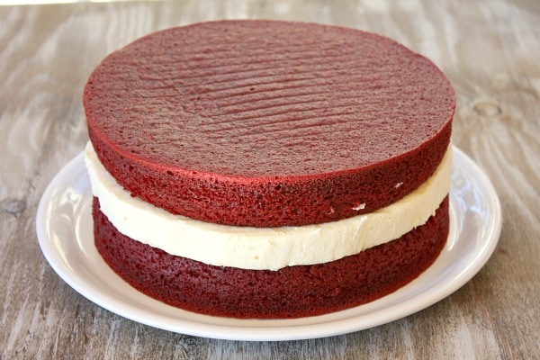 How to Make a Red Velvet Cheesecake Cake