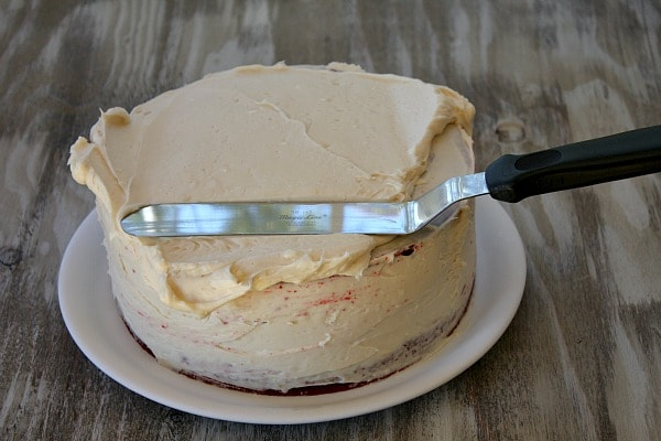 How to make Red Velvet Cheesecake Cake