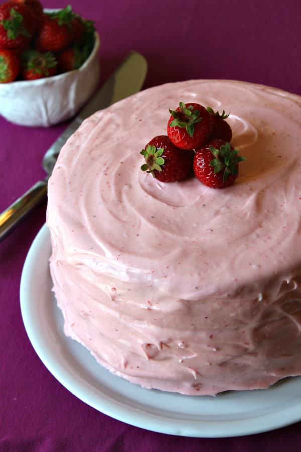 Strawberry Cheesecake Cake Recipe