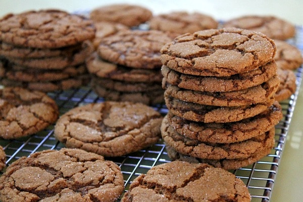 gingersnaps in stacks on cooling rack