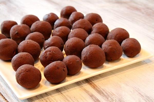 Chocolate Chocolate Chip Cookie Dough Truffles 1