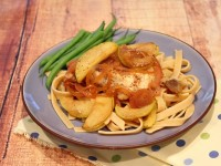 Chicken with Apples and Cider