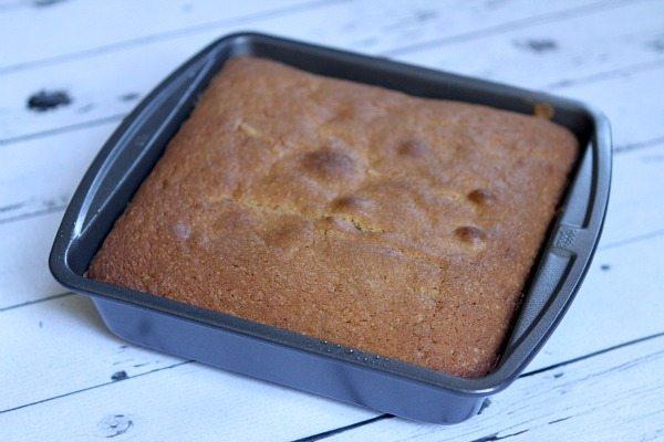 Caramel Apple Upside Down Cake #recipe