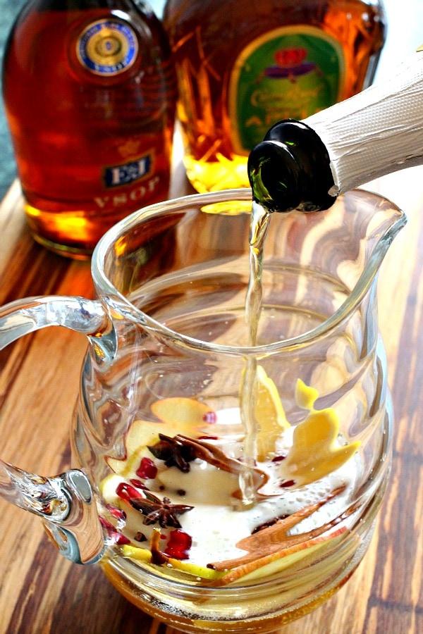 apple-cider-sangria-pour