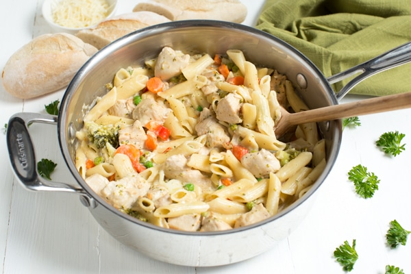 One Pot Creamy Chicken And Vegetable Pasta Is A Meal That Both Kids Adults Will