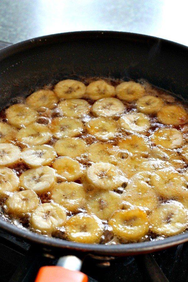 nobake-banana-rum-cheesecake-sauce
