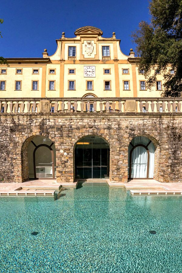Pool and spa at Villa Le Maschere