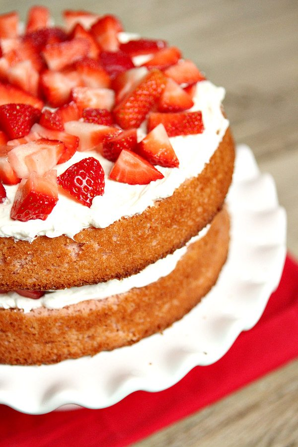 Strawberry Layer Cake With Cream Cheese Frosting Recipe