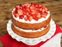 Strawberry Layer Cake with Cheesecake Frosting