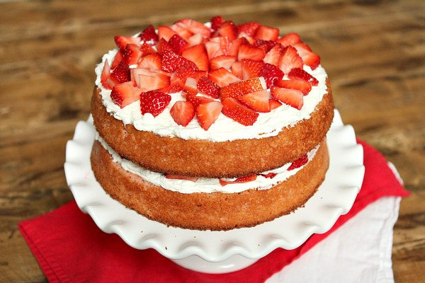 Strawberry Cake Icing Recipes: Strawberry Layer Cake With Cheesecake Frosting