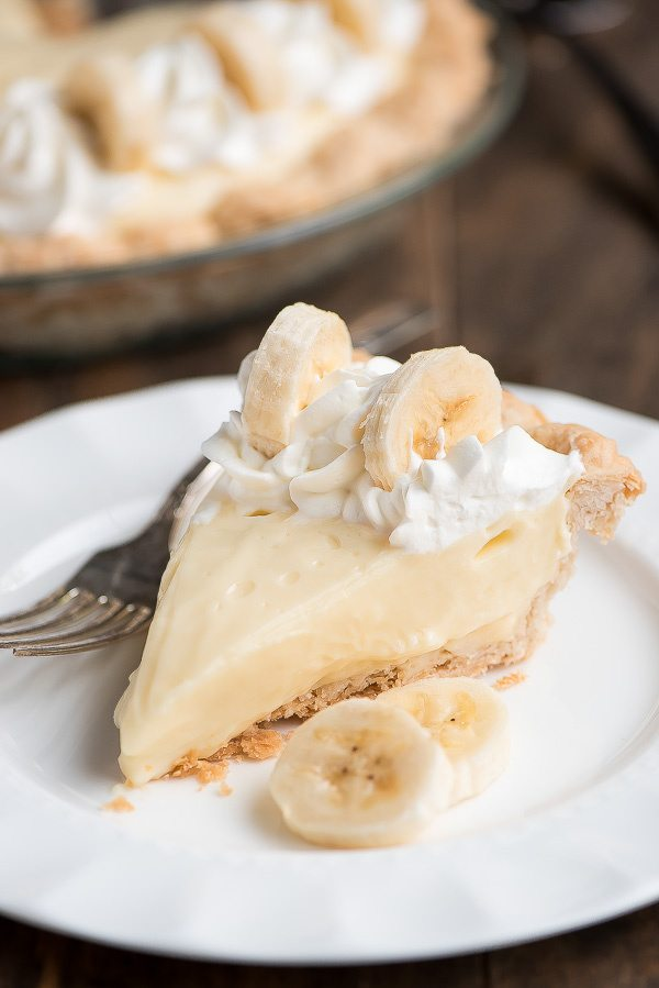 Classic Banana Cream Pie recipe - from RecipeGirl.com