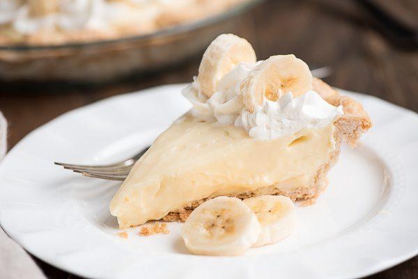 Classic Banana Cream Pie recipe - from RecipeGirl.com