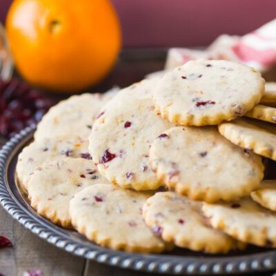 Cranberry Orange Shortbread Cookies by @bakingamoment