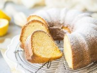Lemon Pound Cake Bundt by @bakingamoment