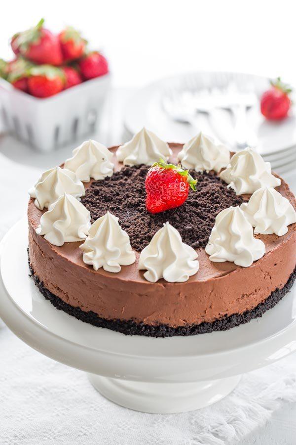 Baileys Chocolate Cheesecake with whipped cream