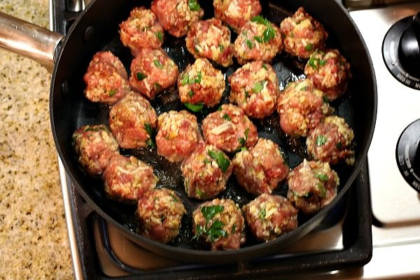 How to Make Homemade Meatballs : brown in a pan