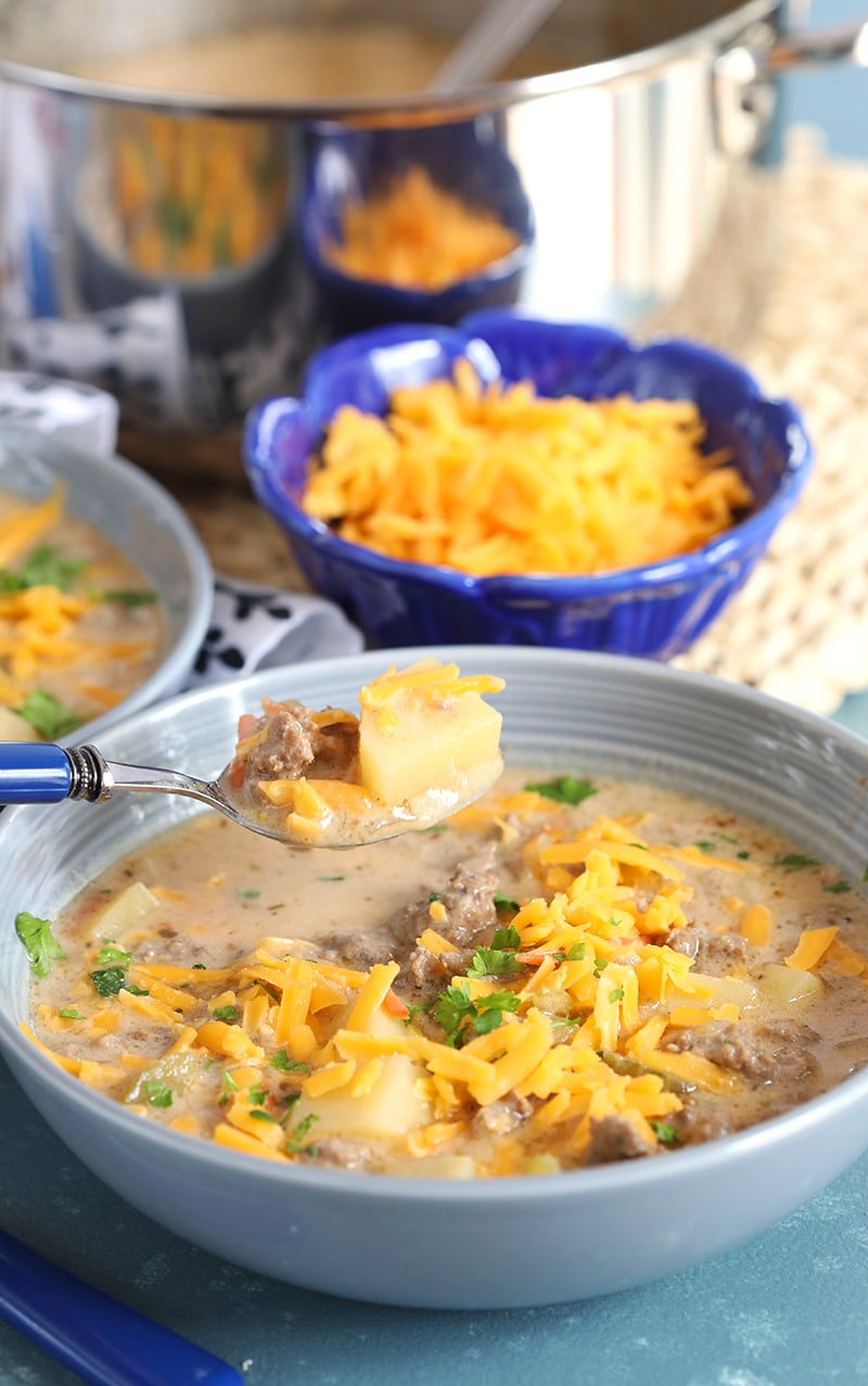 Spoonful of Easy Cheeseburger Soup
